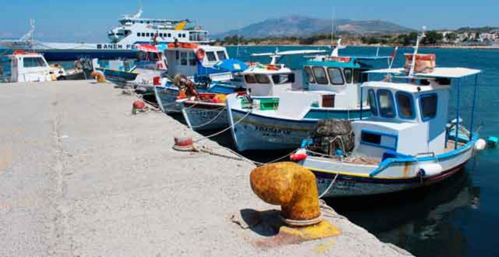 Kalastajaveneitä Kreikassa Kosin saarella.