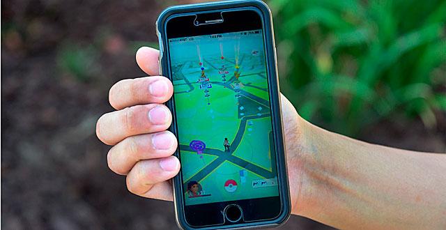 Pokémon-peli näyttää kartan pelaajan ympäristöstä.