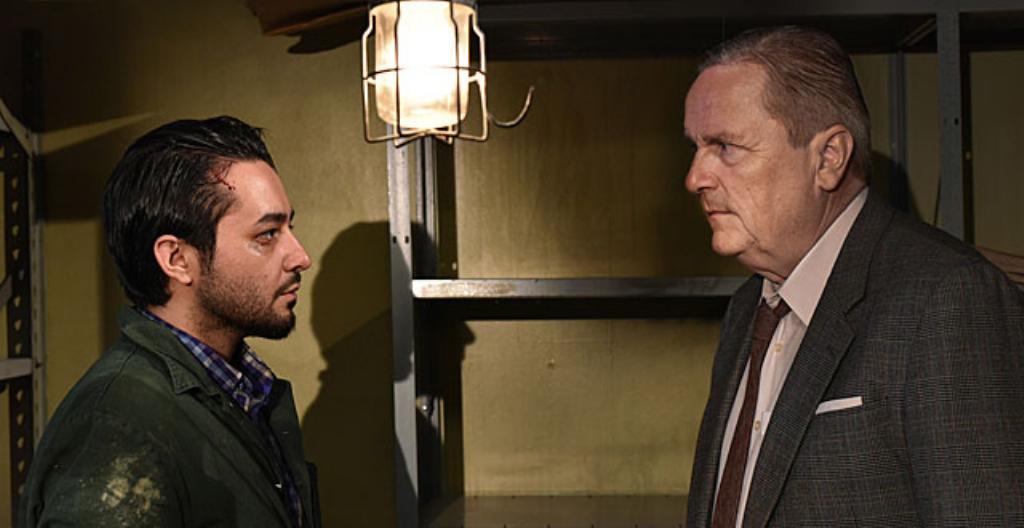 Sherwan Haji on elokuvan Khaled ja Sakari Kuosmanen on herra Wikström.