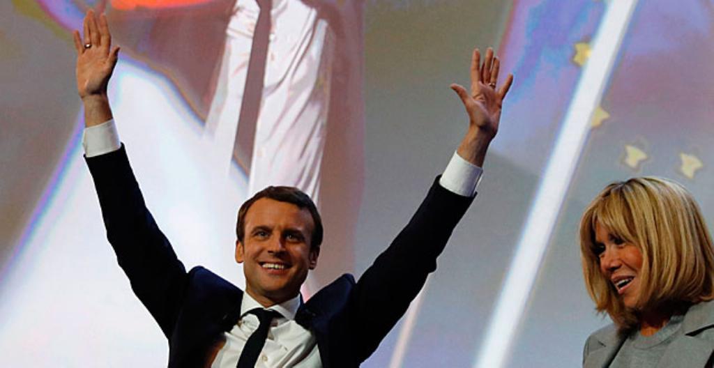 Emmanuel Macron ja puoliso Brigitte Trogneux.