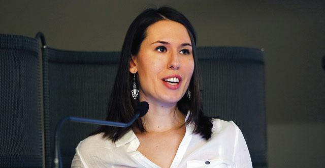 Kuvassa on Jana Sassakova.