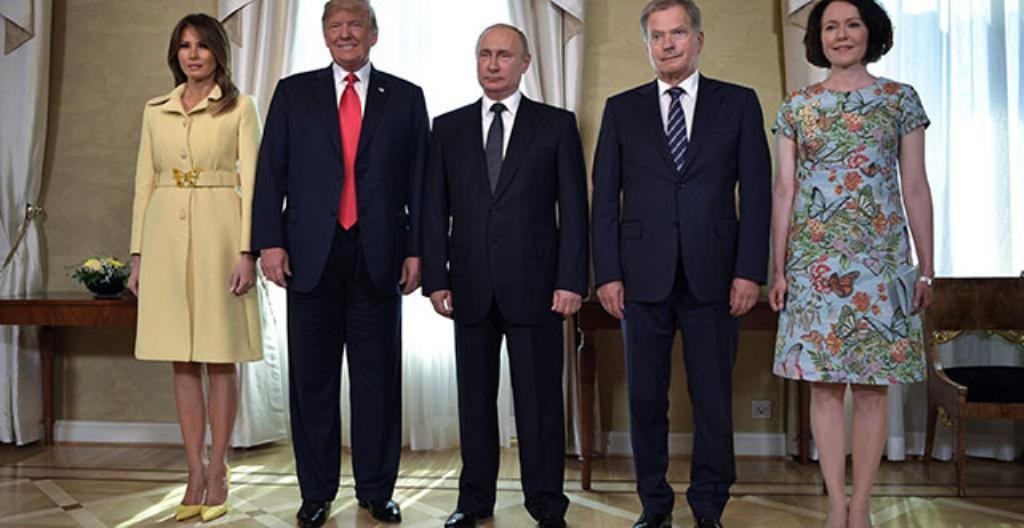 Melania Trump (vasemmalla), Donald Trump, Vladimir Putin, Sauli Niinistö ja Jenni Haukio Presidentinlinnassa Helsingissä.